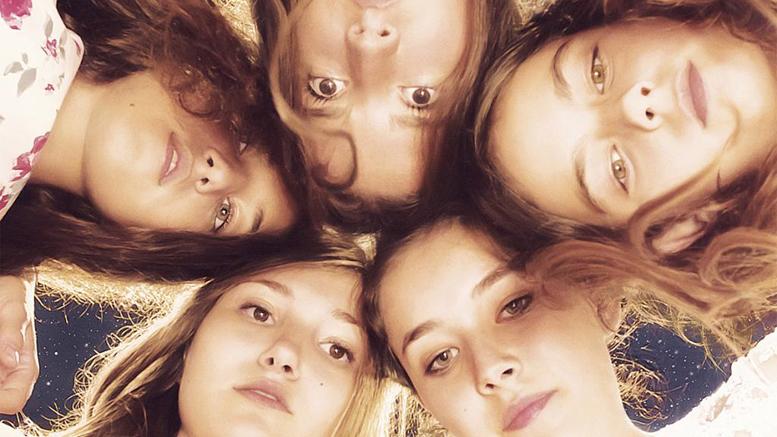 MUSTANG / regia: Deniz Gamze Ergüven – premiul FIPRESCI | Premiile Academiei Europene de Film 2015