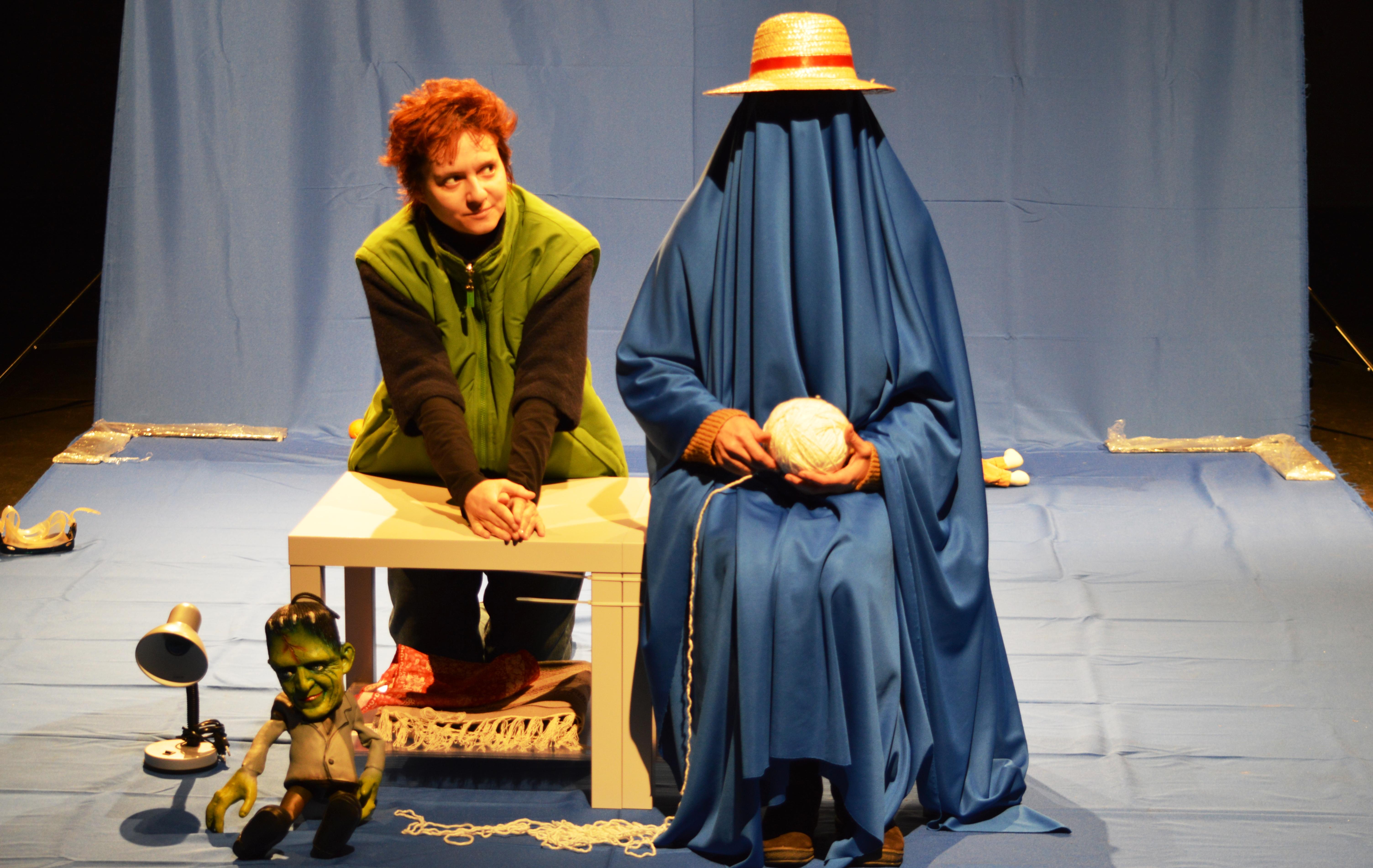 ÎN CUVINTELE TALE / regia: Radu Apostol - Centrul de Teatru Educaţional REPLIKA, Bucureşti