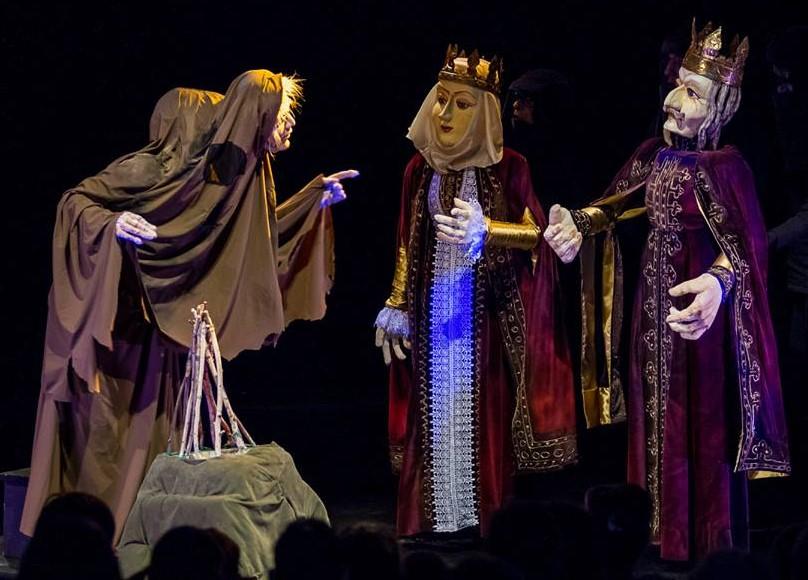 TINEREȚE FĂRĂ BĂTRĂNEȚE ȘI VIAȚĂ FĂRĂ DE MOARTE / regia: Toma Hogea - Teatrul Merlin, Timișoara